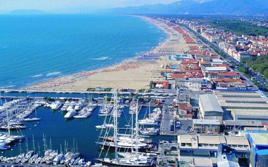 Pisa Versilia Coast Lucca Hire In Italy Transfer